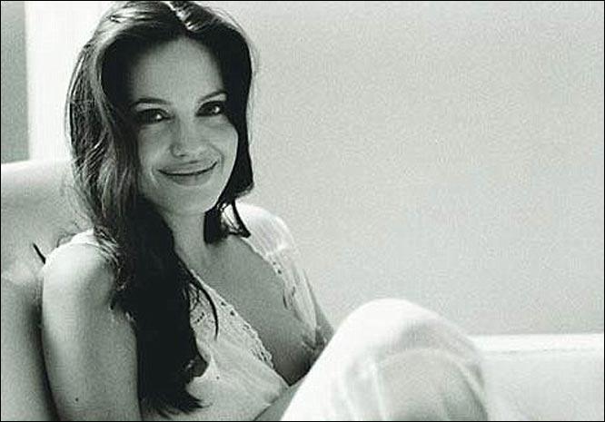 Angelina_Jolie_615851a