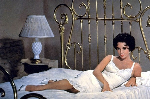 Elizabeth-Taylor-Cat-On-A-Hot-Tin-Roof-1958
