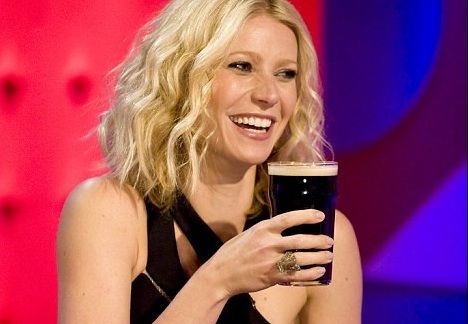 gwyneth-paltrow-drinking-alcohol