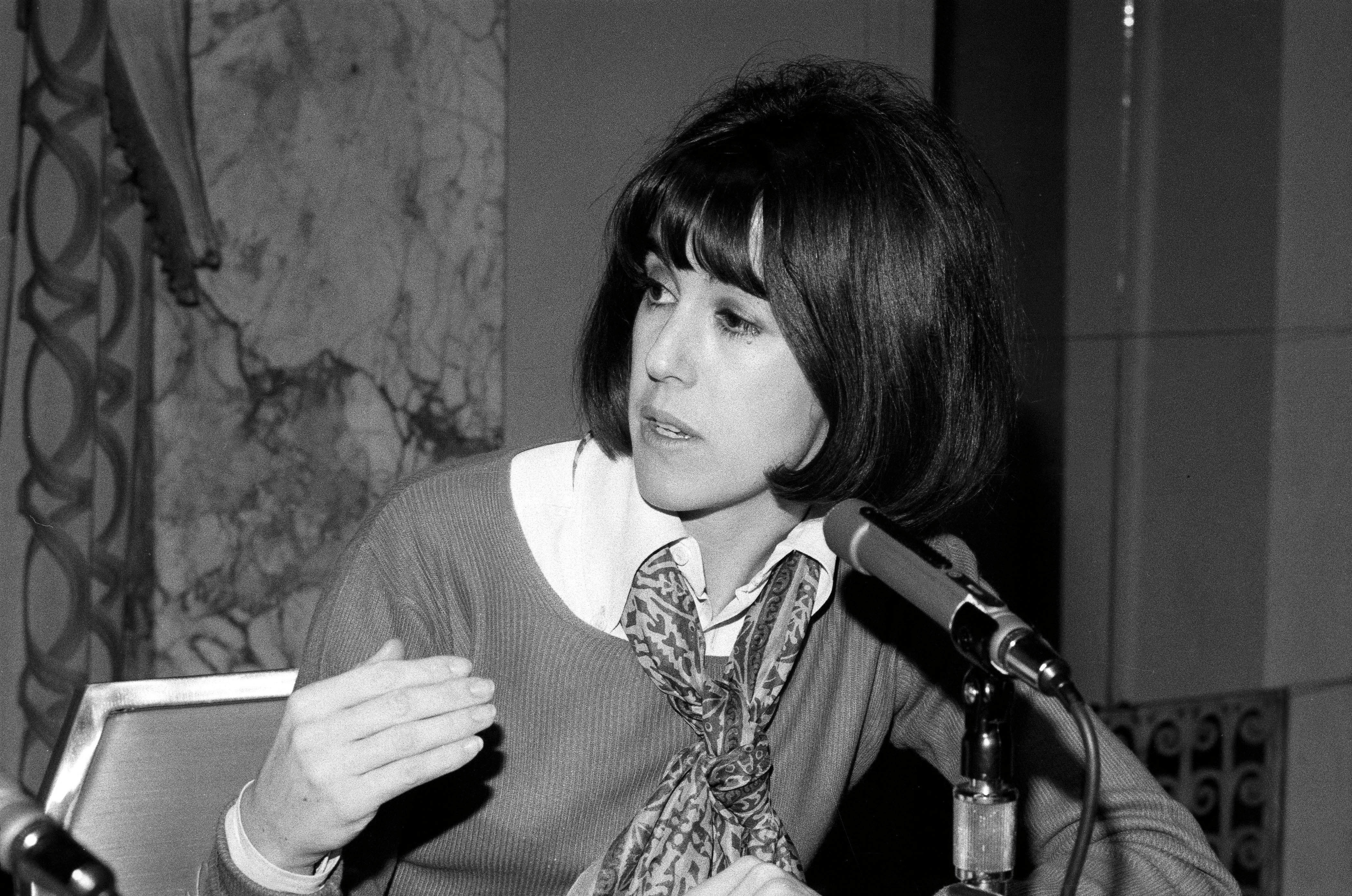 nora ephron pin up picks pen up nora ephron dead at 71