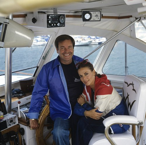 On-the-Splendour-robert-wagner-and-natalie-wood-29366276-500-496